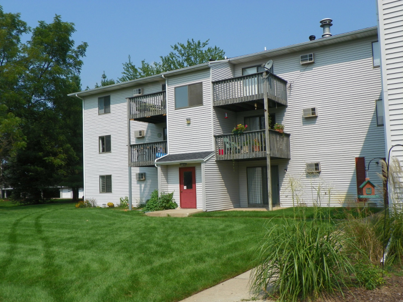 Handicap accessible ionia apartments for rent 700 1165 for Handicapped housing