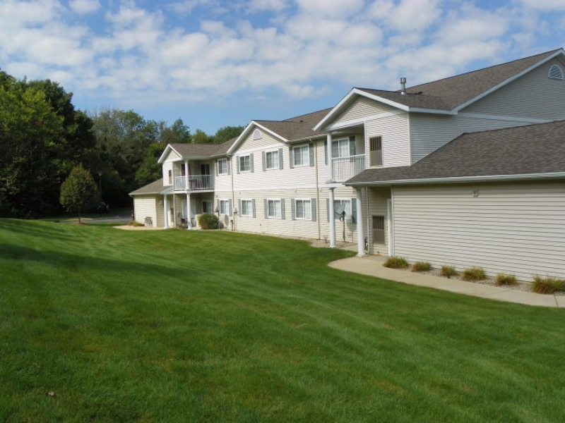 Eaglebrook Apartments Grandville MI ($1060-$1170) | Kent ...