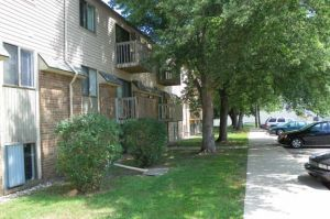Campus Court Knollwood Apartments