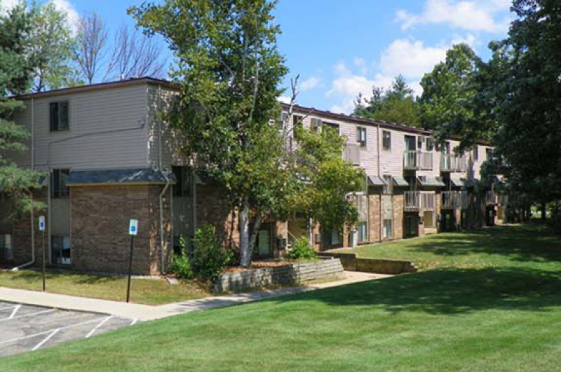 Kalamazoo county mi 2 bedroom apartments 703 753 for One bedroom apartments kalamazoo mi